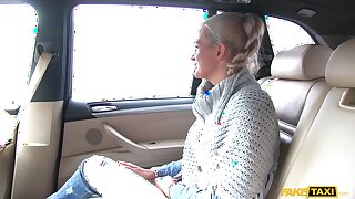 Kirmess suitor Nicole Vice opens her legs to be fucked in a car