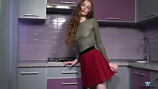 Phthisic babe with big a clitoris Milena Tissen is playing with herself