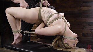 Unfavourable dude affianced Kirsten Scott to poke her pussy and mouth