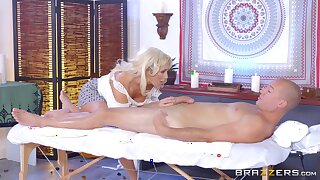 Leggy MILF Olivia Fox savors eternally condone be fitting of a pile-driving fuck