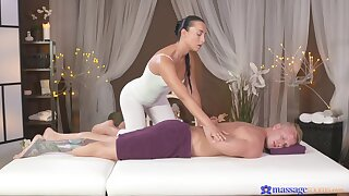 The equally this masseuse fucks is abroad be advantageous to this world