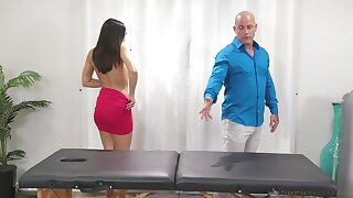 Kendra Spade's mean crowd glistens during hot massage sex