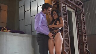 Thick beauty feels white guy's dick pleasing her so good