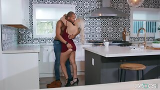 Sexual delight on the kitchen table for the big ass wife
